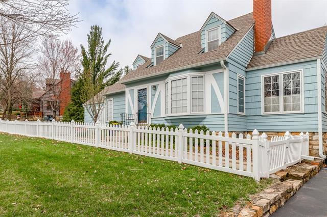 124 W Terrace Trail Street, Lake Quivira, KS 66217 (#2157134) :: House of Couse Group