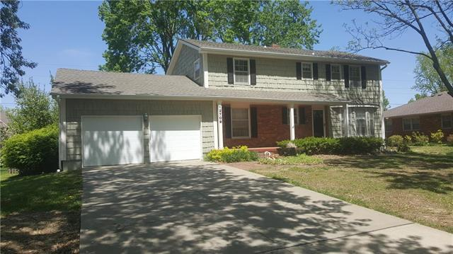 12709 Overbrook Road, Leawood, KS 66209 (#2158429) :: The Shannon Lyon Group - ReeceNichols