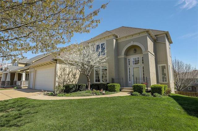 15829 Rosewood Street, Overland Park, KS 66224 (#2159831) :: Eric Craig Real Estate Team