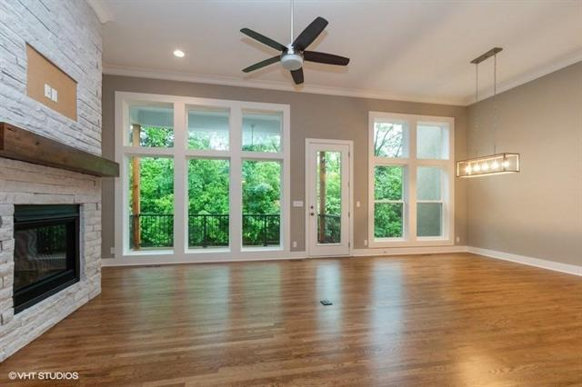 126 NW Pointe Drive, Gladstone, MO 64116 (#2160106) :: Kansas City Homes