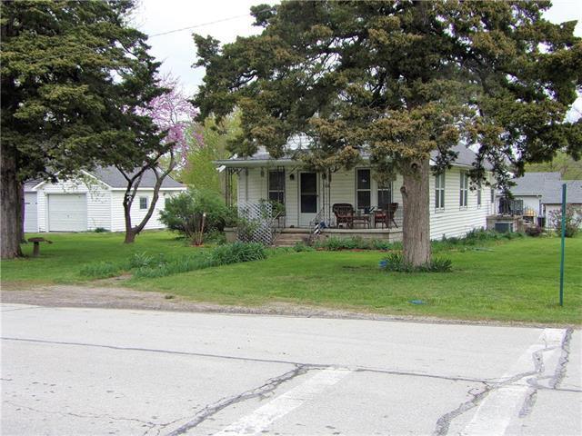 502 Locust Street, Mound City, KS 66056 (#2160592) :: Team Real Estate