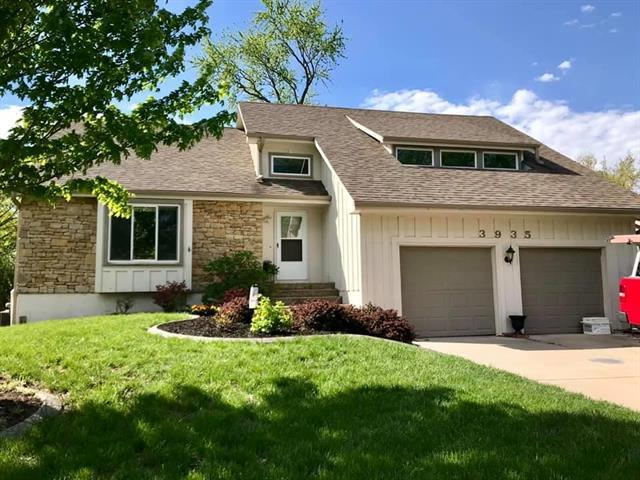 3935 SW Linden Lane, Lee's Summit, MO 64082 (#2161563) :: House of Couse Group