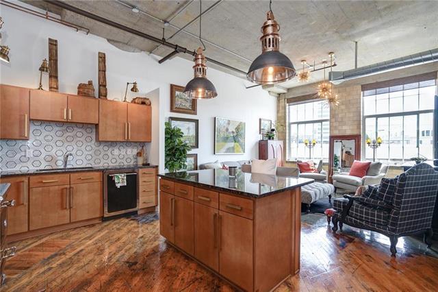 2029 Wyandotte Street #202, Kansas City, MO 64108 (#2162834) :: Clemons Home Team/ReMax Innovations