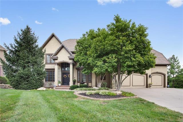 15112 Perry Street, Overland Park, KS 66221 (#2163645) :: No Borders Real Estate