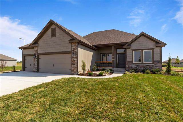9107 N Bales Avenue, Kansas City, MO 64155 (#2164403) :: The Shannon Lyon Group - ReeceNichols
