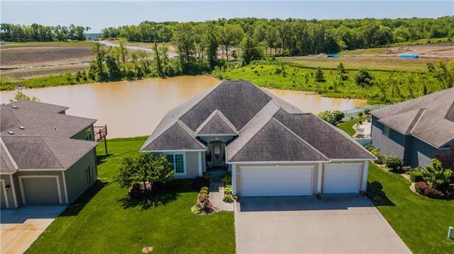 1005 NW Pecan Drive, Grain Valley, MO 64029 (#2166082) :: House of Couse Group