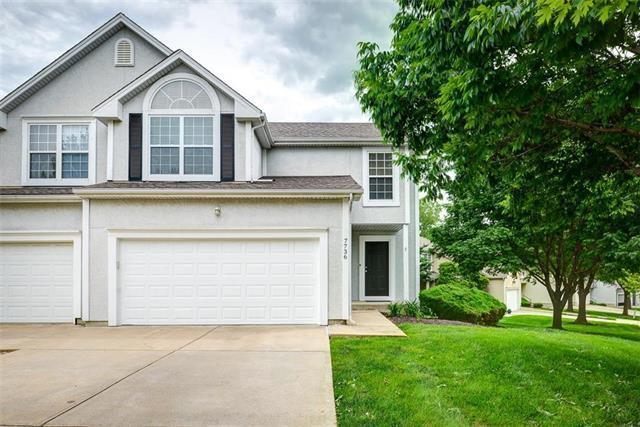 7736 W 148 Street, Overland Park, KS 66223 (#2168935) :: Eric Craig Real Estate Team