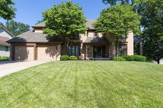 4120 NE Pembroke Lane, Lee's Summit, MO 64064 (#2169767) :: Ask Cathy Marketing Group, LLC