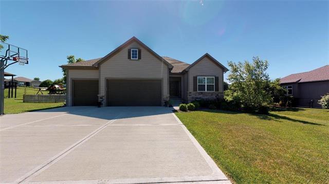 16117 152nd Street, Bonner Springs, KS 66012 (#2170157) :: Team Real Estate
