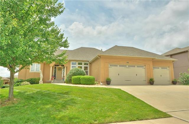 1209 Thompson Circle, Raymore, MO 64083 (#2171411) :: House of Couse Group