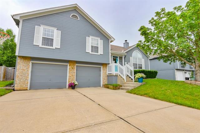 503 SW Whitestone Drive, Grain Valley, MO 64029 (#2171941) :: No Borders Real Estate