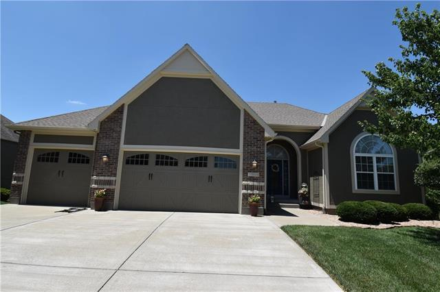 1504 Cross Creek Drive, Raymore, MO 64083 (#2173030) :: Kansas City Homes