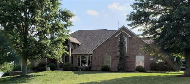 10109 Lakeview Circle, Liberty, MO 64068 (#2175502) :: Clemons Home Team/ReMax Innovations