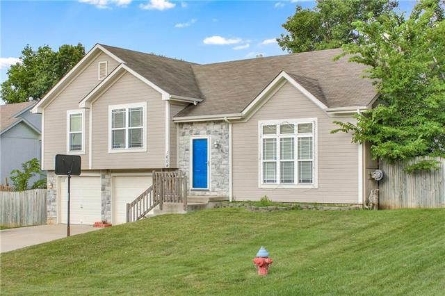 1604 S 105th Street, Edwardsville, KS 66111 (#2175689) :: Kansas City Homes