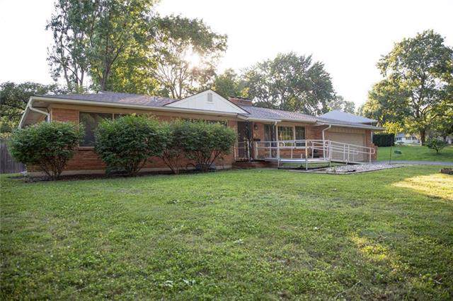3440 S Norton Avenue, Independence, MO 64052 (#2177640) :: Clemons Home Team/ReMax Innovations