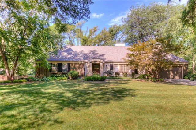 9634 Sagamore Road, Leawood, KS 66206 (#2178771) :: Kansas City Homes