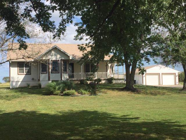 32130 W 363rd Street, Osawatomie, KS 66064 (#2185488) :: Dani Beyer Real Estate