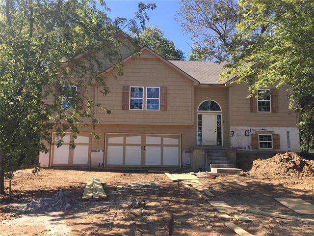 1036 Redwood Lane, Liberty, MO 64068 (#2185821) :: Clemons Home Team/ReMax Innovations