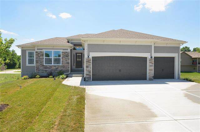 1407 182nd Terrace, Smithville, MO 64089 (#2186681) :: Eric Craig Real Estate Team
