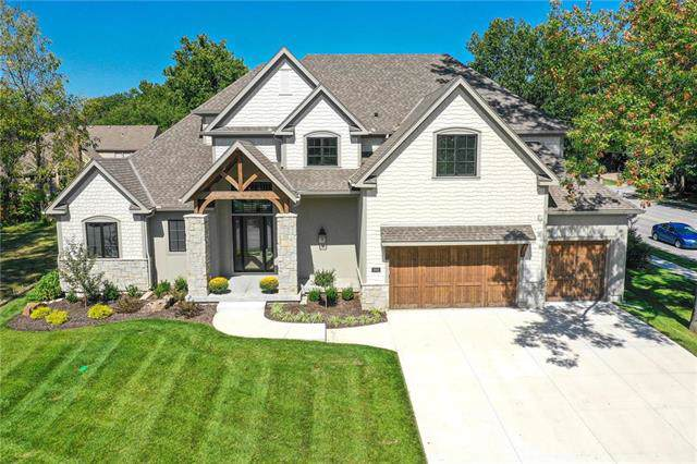 3902 W 102nd Terrace, Overland Park, KS 66206 (#2186935) :: The Gunselman Team