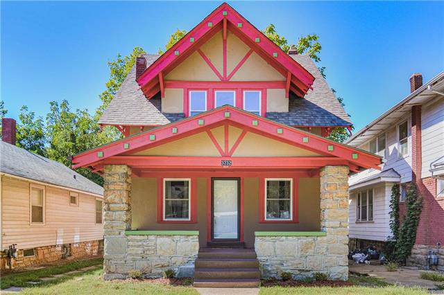 3732 College Avenue, Kansas City, MO 64128 (#2187537) :: House of Couse Group
