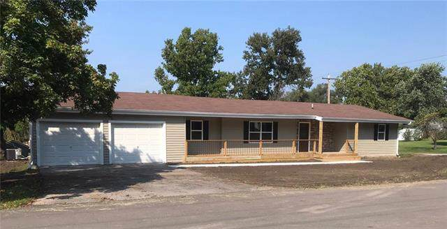 602 S Willow Street, Gallatin, MO 64640 (#2187891) :: Stroud & Associates Keller Williams - Powered by SurRealty Network
