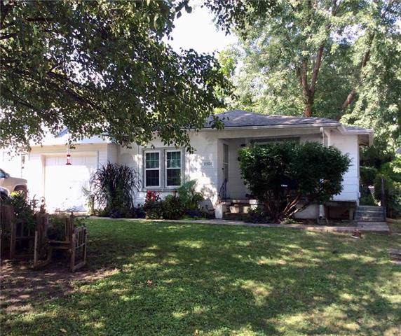 11508 E 20th Street, Independence, MO 64052 (#2189300) :: Edie Waters Network