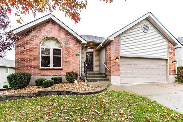 7505 N Campbell Street, Gladstone, MO 64118 (#2195083) :: Clemons Home Team/ReMax Innovations