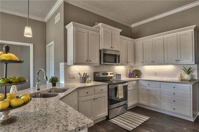 12024 S Provence Street #2203, Olathe, KS 66061 (#2196762) :: Five-Star Homes