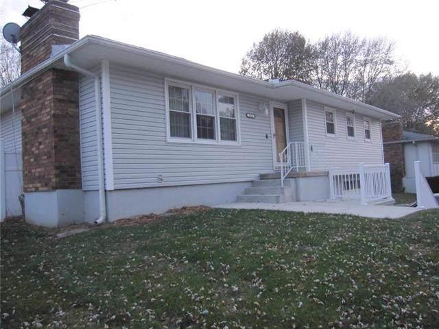 3026 Dover Street, St Joseph, MO 64506 (#2198101) :: Eric Craig Real Estate Team