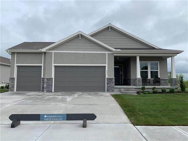 1117 SW Cheshire Drive, Lee's Summit, MO 64083 (#2200249) :: Eric Craig Real Estate Team