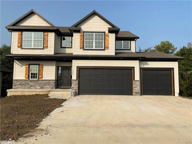 1913 Ridge Tree Drive, Pleasant Hill, MO 64080 (#2202515) :: Austin Home Team