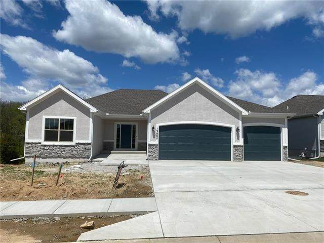 13800 NW 75th Street, Parkville, MO 64152 (#2203375) :: Audra Heller and Associates