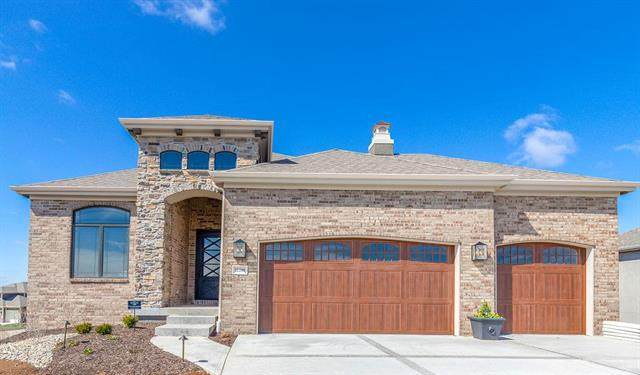 11290 S Violet Street, Olathe, KS 66061 (#2203738) :: House of Couse Group