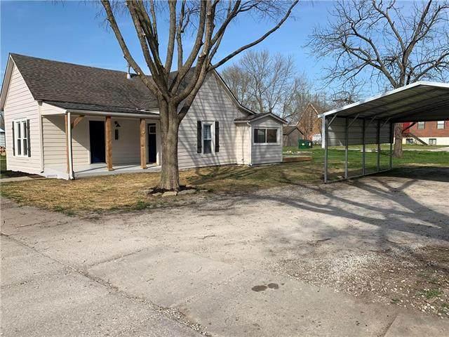 305 S Mill Street, Smithville, MO 64089 (#2213477) :: Eric Craig Real Estate Team