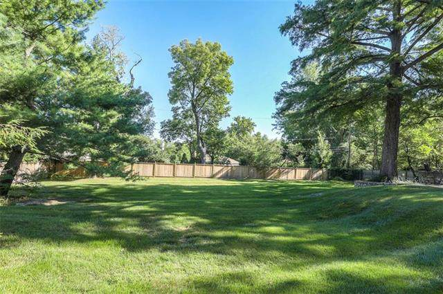 1030 W 53rd Terrace, Kansas City, MO 64112 (#2214170) :: Jessup Homes Real Estate | RE/MAX Infinity