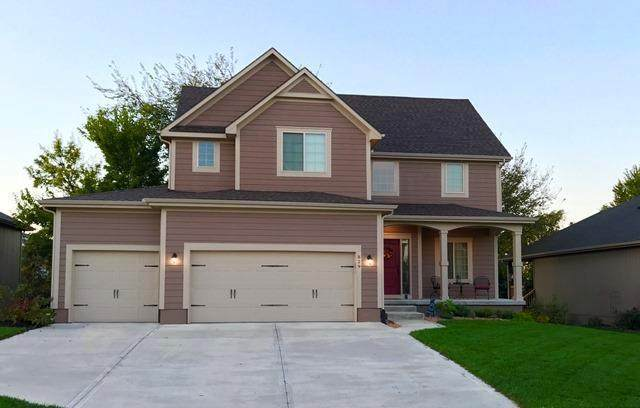 829 SW 36TH Street, Lee's Summit, MO 64082 (#2214323) :: House of Couse Group