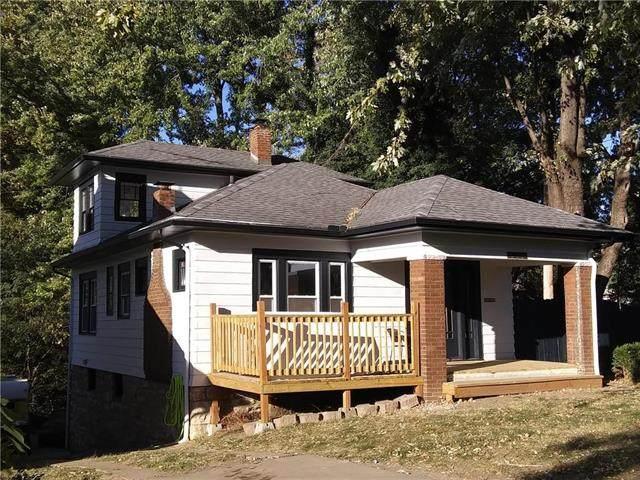 2600 Grandview Boulevard, Kansas City, KS 66102 (#2222109) :: House of Couse Group