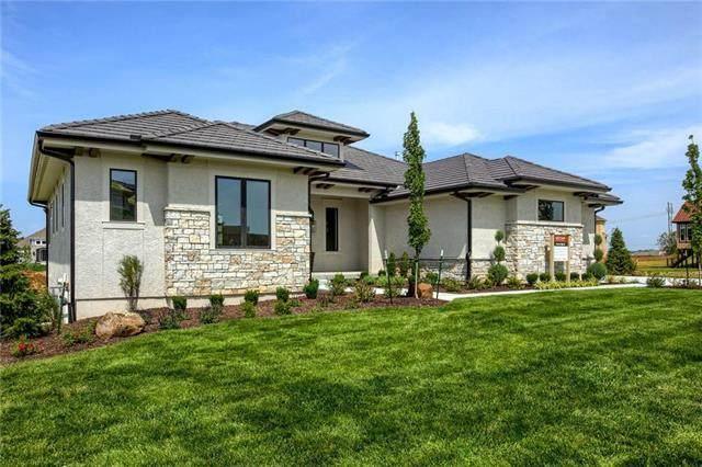 15709 El Monte Street, Overland Park, KS 66224 (#2225541) :: Ron Henderson & Associates