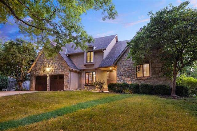12604 Mohawk Lane, Leawood, KS 66209 (#2226516) :: Jessup Homes Real Estate   RE/MAX Infinity