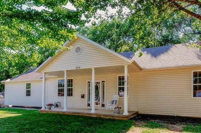 209 S Main Street, Spring Hill, KS 66083 (#2228867) :: Team Real Estate