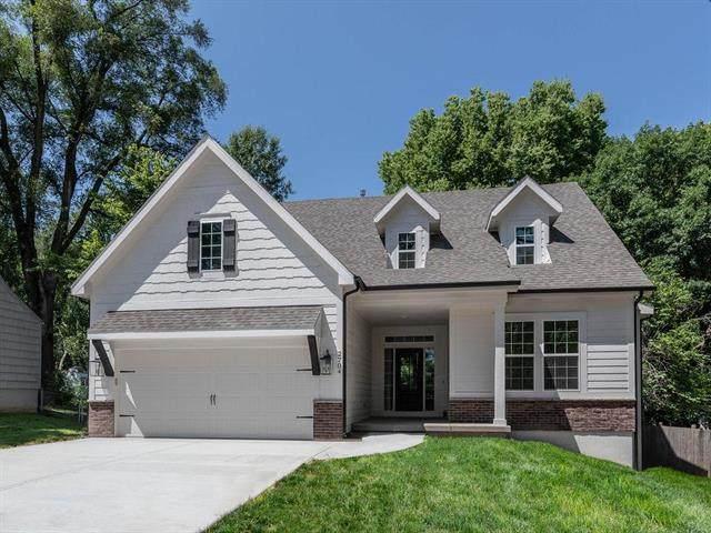 2704 W 74th Street, Prairie Village, KS 66208 (#2230344) :: Dani Beyer Real Estate