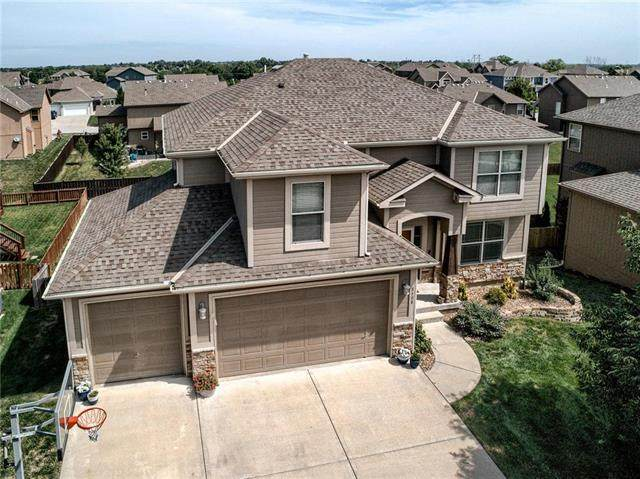 8408 NE 102 Terrace, Kansas City, MO 64157 (#2230792) :: House of Couse Group
