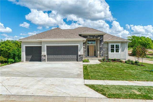 11297 S Crestone Street, Olathe, KS 66061 (#2231213) :: Jessup Homes Real Estate | RE/MAX Infinity