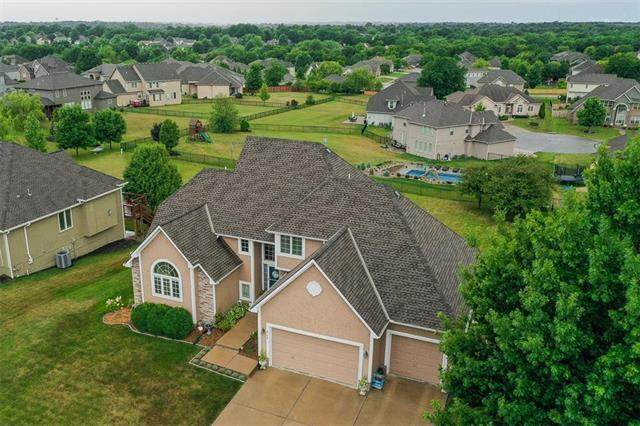 4104 SE Stirrup Drive, Lee's Summit, MO 64082 (#2231583) :: Ron Henderson & Associates
