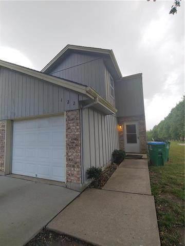 122 NE Greystone Drive, Lee's Summit, MO 64086 (#2231723) :: Ron Henderson & Associates