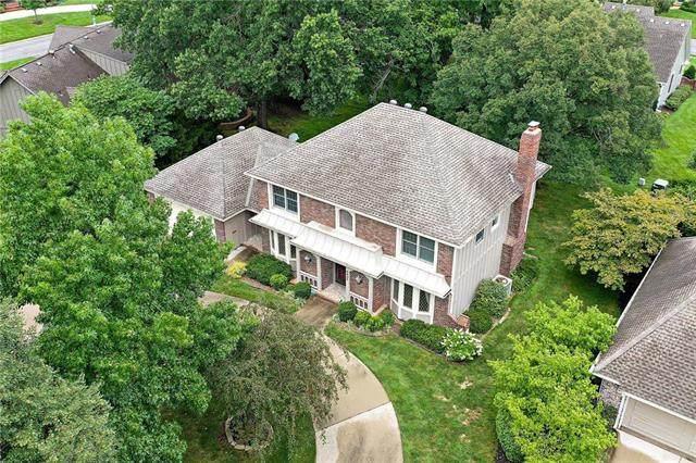 8405 Reinhardt Lane, Leawood, KS 66206 (#2232280) :: Ron Henderson & Associates