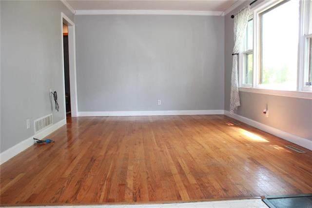 6314 W 58th Street, Mission, KS 66202 (#2233082) :: Team Real Estate