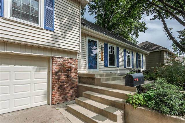6508 W 100th Terrace, Overland Park, KS 66212 (#2234471) :: Jessup Homes Real Estate | RE/MAX Infinity