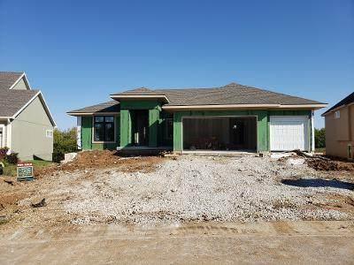 9575 Landon Street, Lenexa, KS 66227 (#2235254) :: Austin Home Team